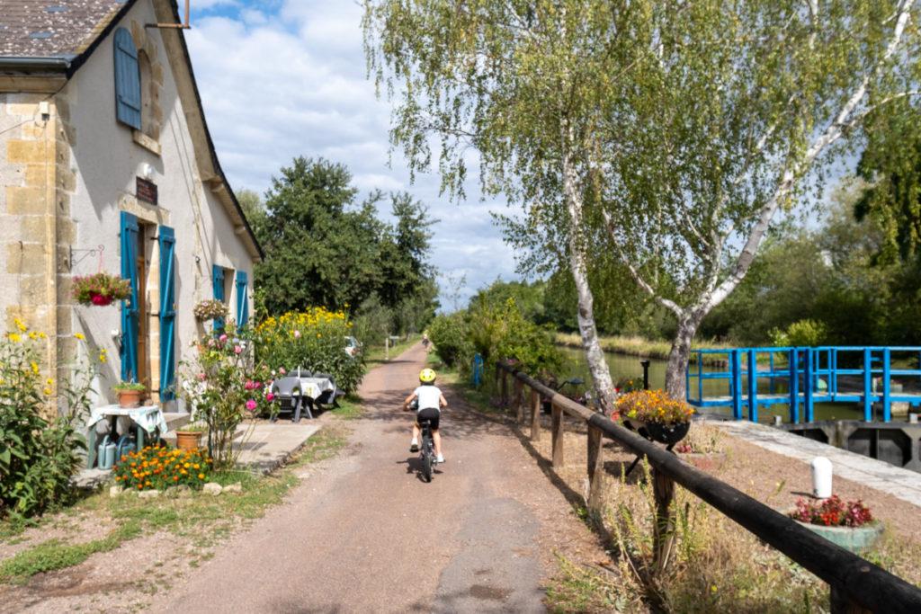 Une des 114 maisons éclusières du canal du Nivernais